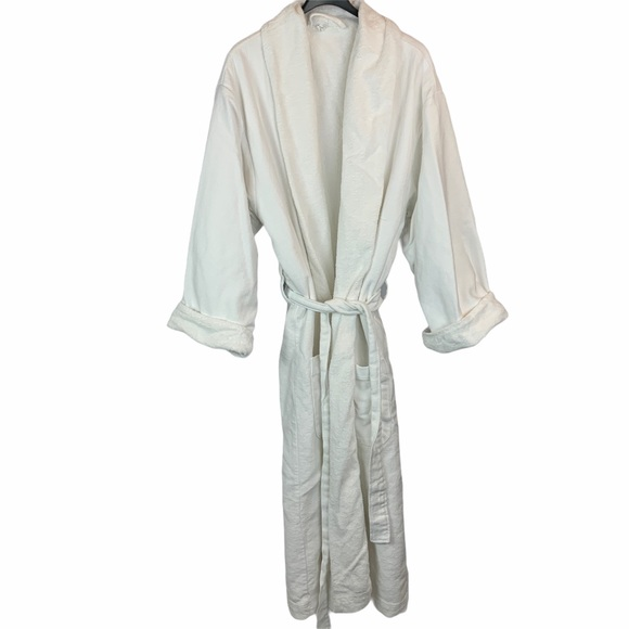 Pottery Barn white bathrobe waffle and terry OS